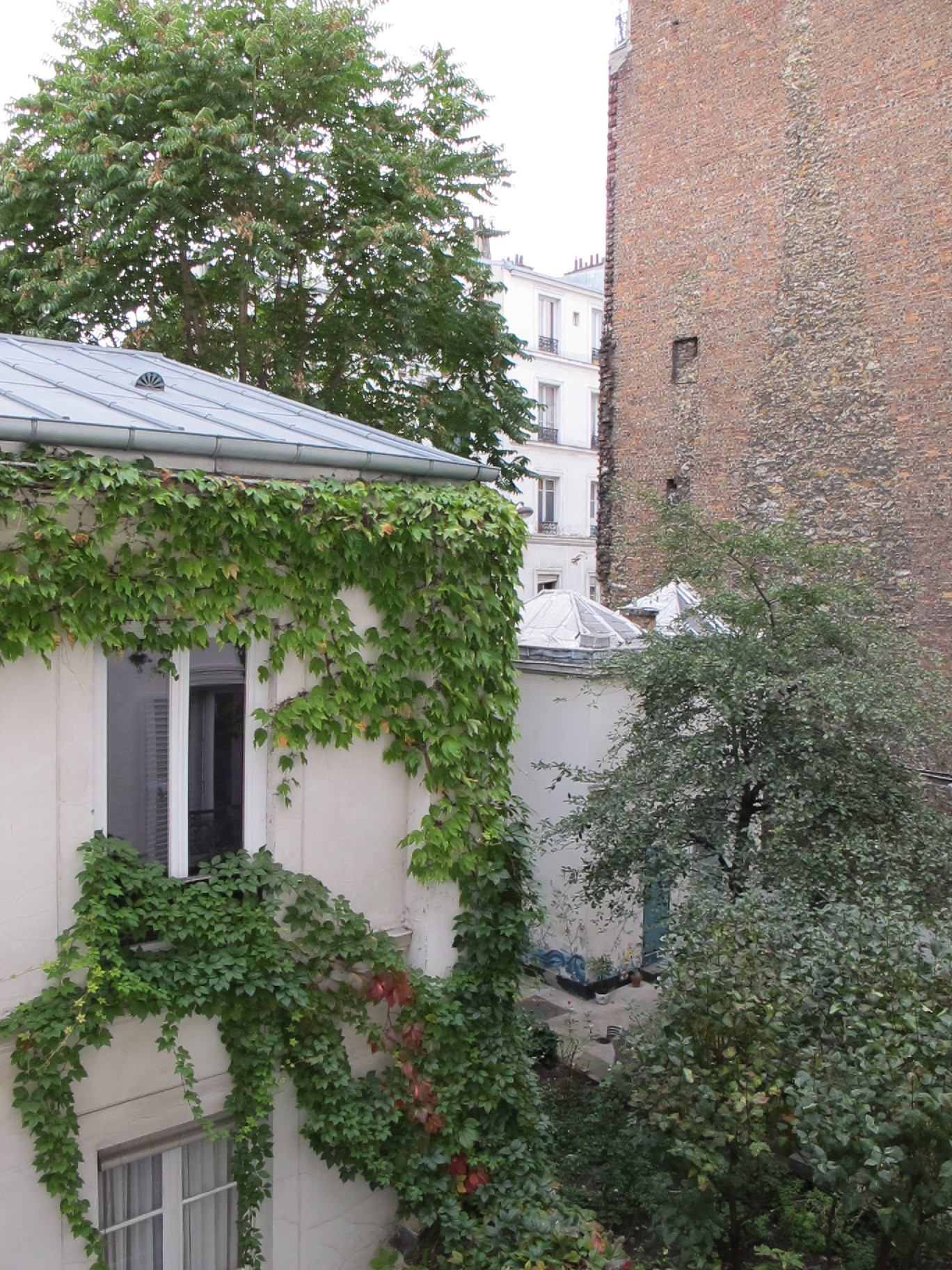 The balcony of our apartment. Montmartre.