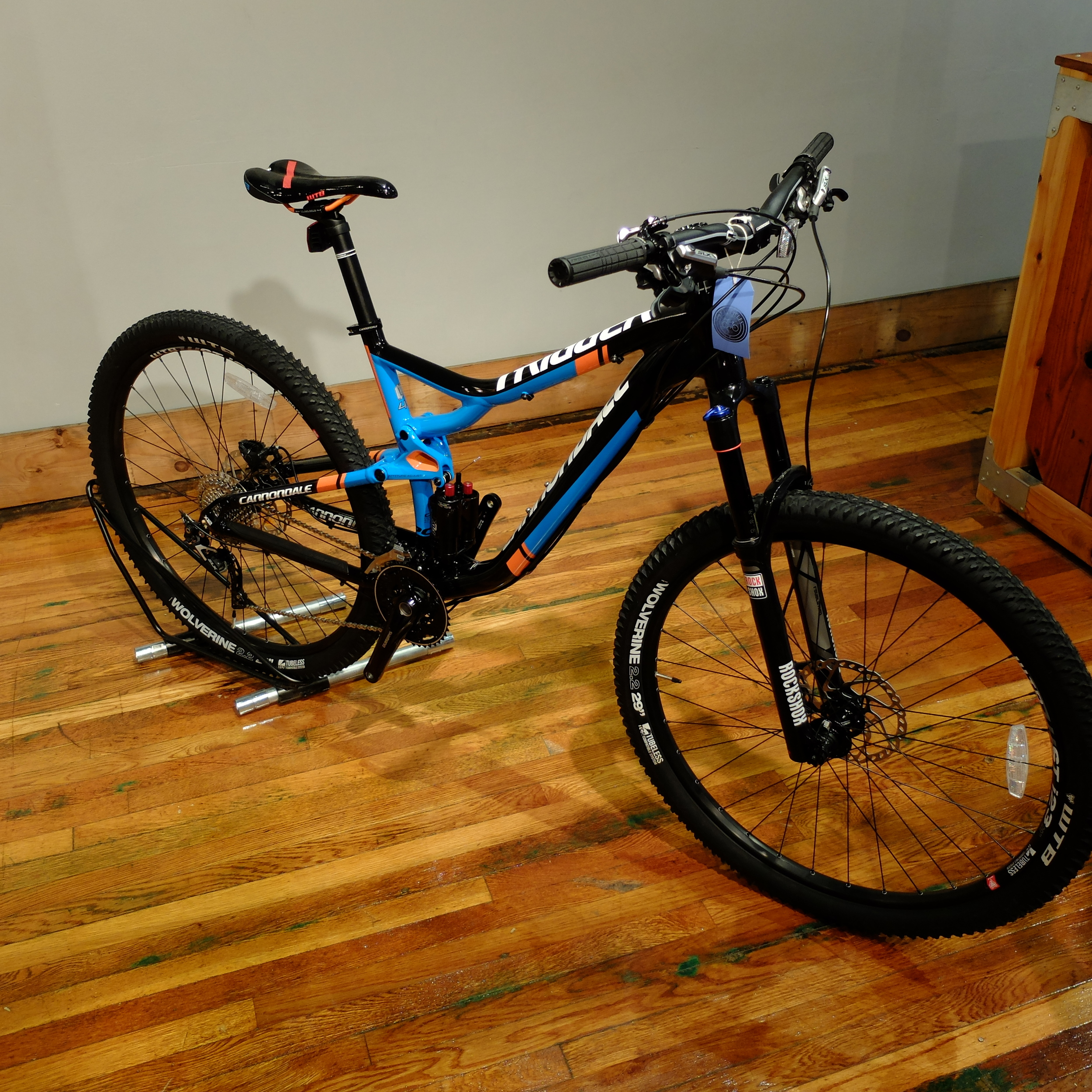 This bike eats dirt for breakfast, lunch, second lunch, linner, dinner and a bedtime snack.