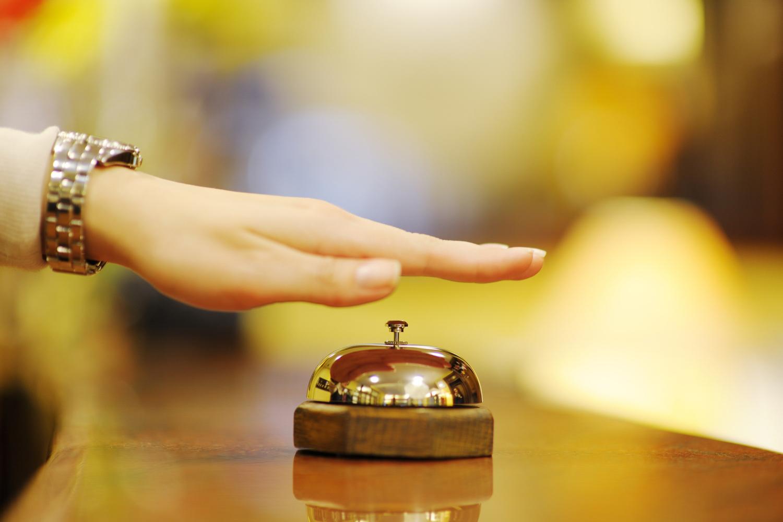 photodune-2561617-hotel-reception-m.jpg