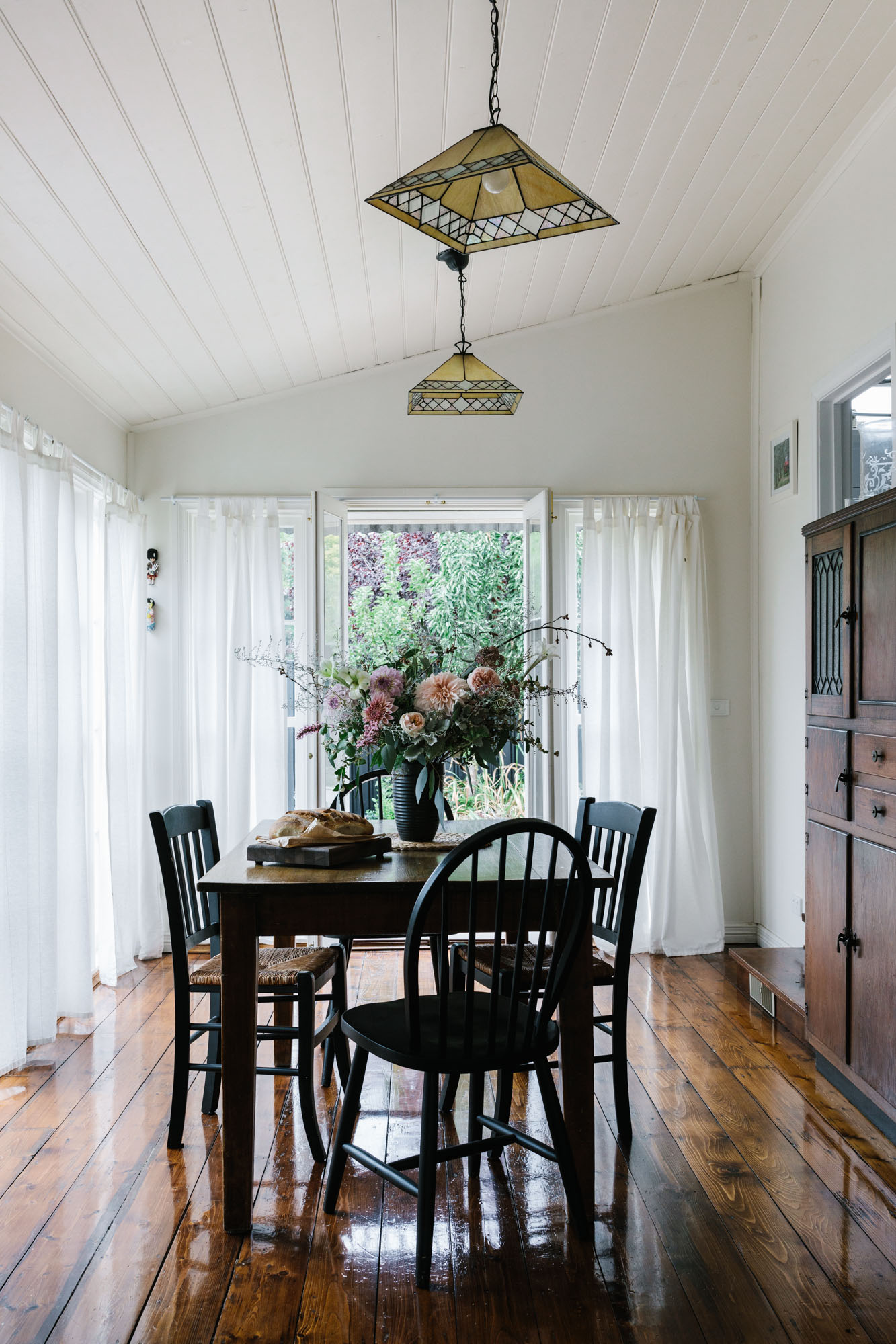 Marnie Hawson, Melbourne lifestyle photographer for Country Style and Kyneton travel story- Flop House