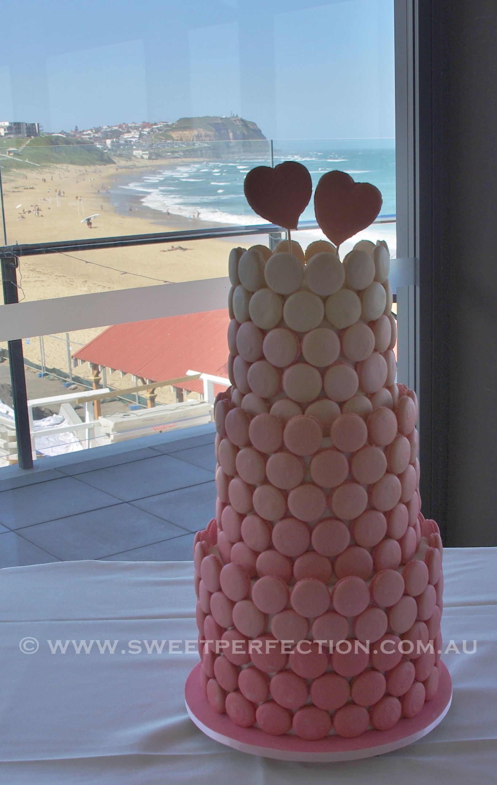 Beautiful weddings cakes in the beautiful city of Newcastle.