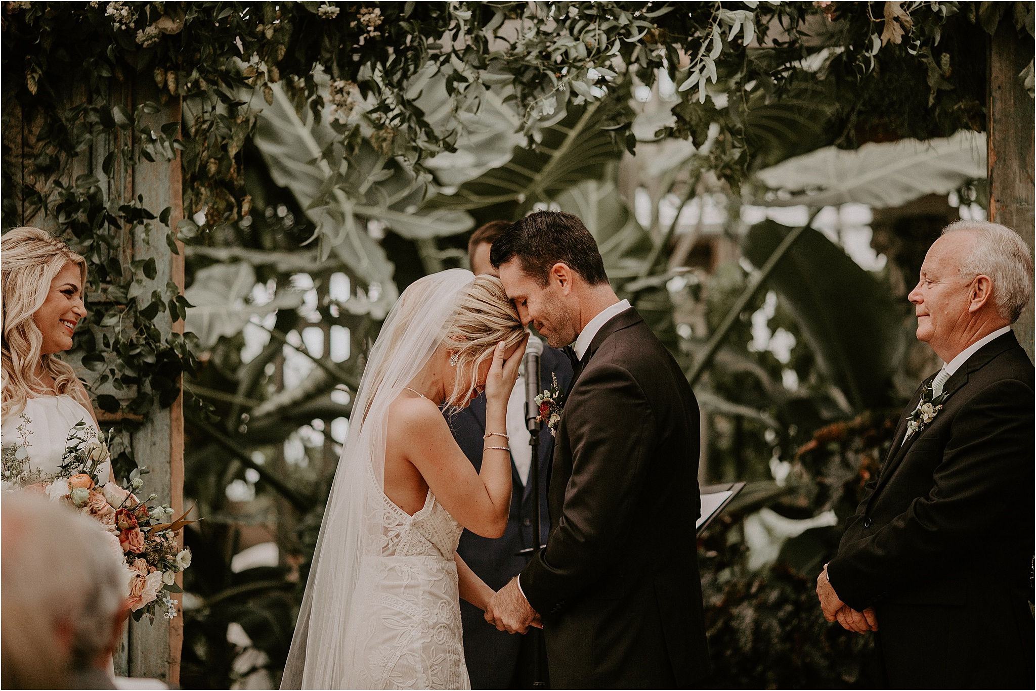 Sarah_Brookhart_Hortulus_Farm_Garden_and_Nursey_Wedding_Photographer_0048.jpg