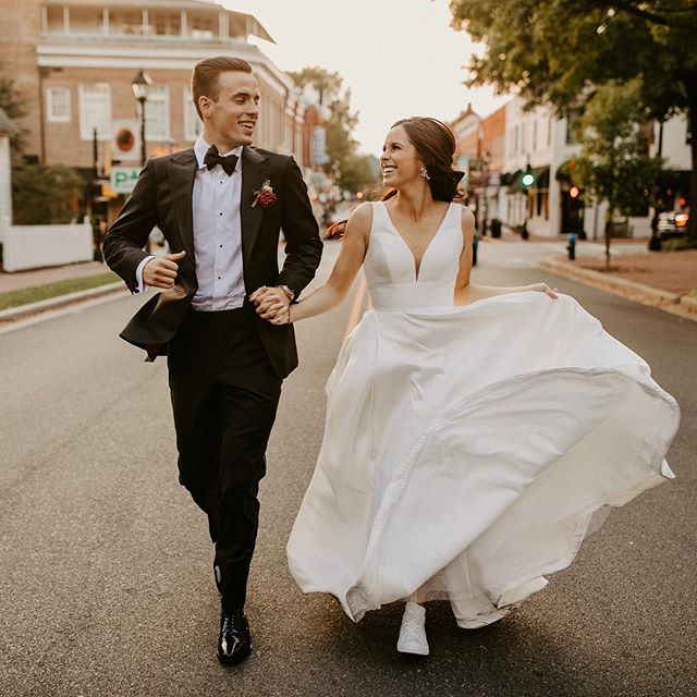 Even though they're not in the crosswalk, I'd TOTALLY yield to these pedestrians 🙌🏻💕#sorrynotsorrycars . . . . #sarahbrookhartphotography #baltimorewedding #huffpostido #mdweddingphotographer #dcweddingphotographer #authenticlovemag #elopement #phillywedding #muchlove_ig #brooklynweddingphotographer #engagedaf #thewedlocks #momtrepreneur #bosslady
