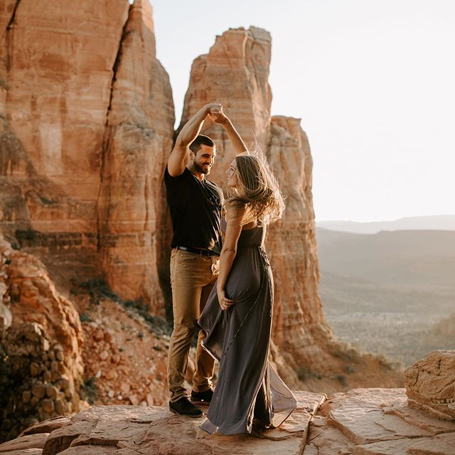 Professional third wheel, PDA encourager, dance party enthusiast, and mountain climbing hype woman since 2014 💃🏼 LET'S DO IT . . . . #sarahbrookhartphotography #arizonaelopement #sedonaweddingphotographer #sedonaarizona #cathedralrock #thewedlocks #wanderingweddings #dirtybootsandmessyhair #elopementphotographer #muchlove_ig #adventurebrides #mountaintopwedding