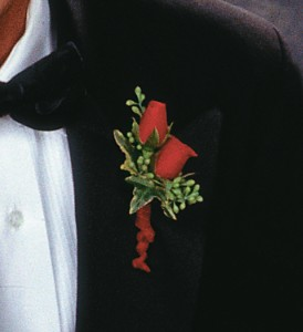 Red Spray Rose Boutonniere TF161-6