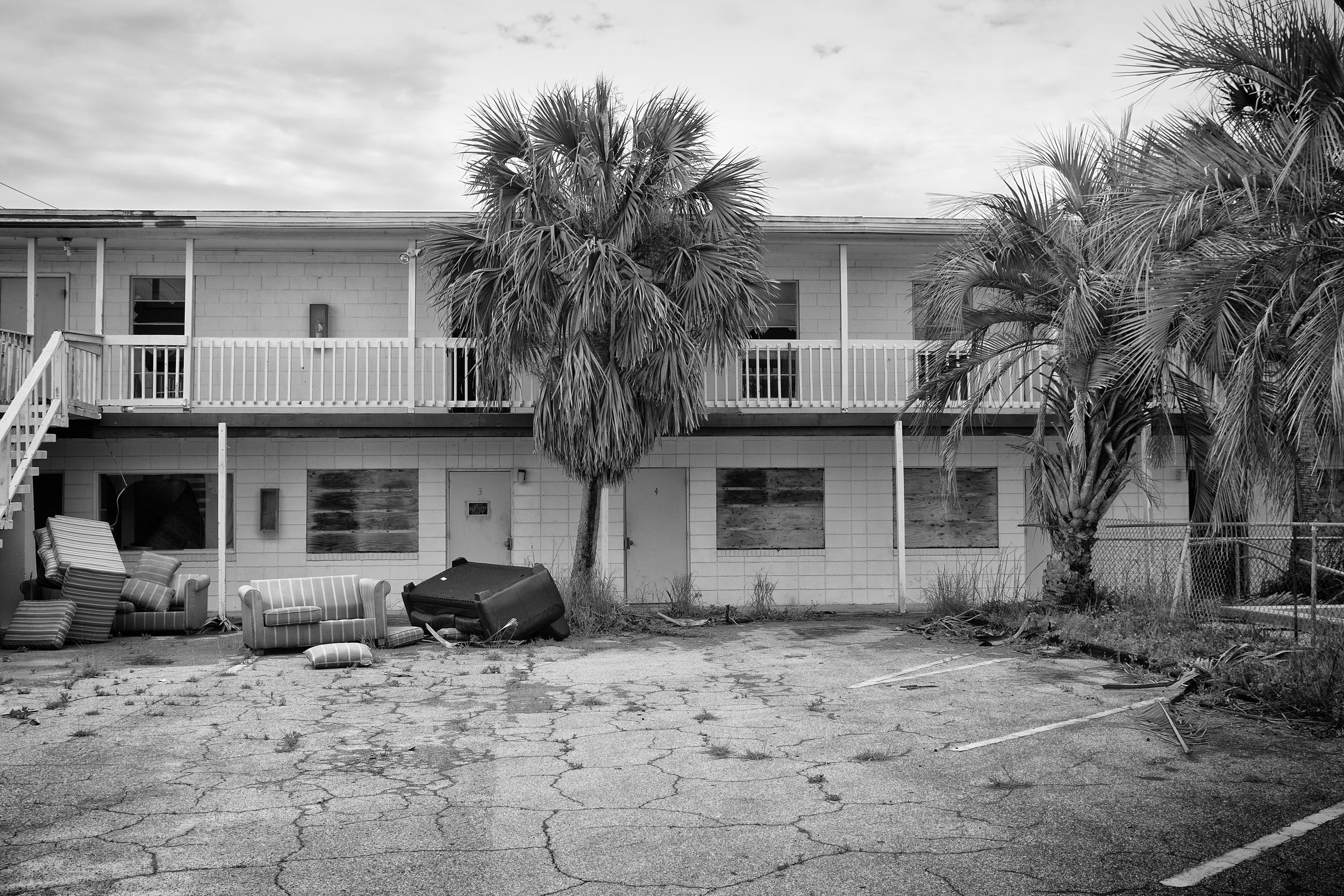 FL Motel Pool Empty (1 of 1).jpg