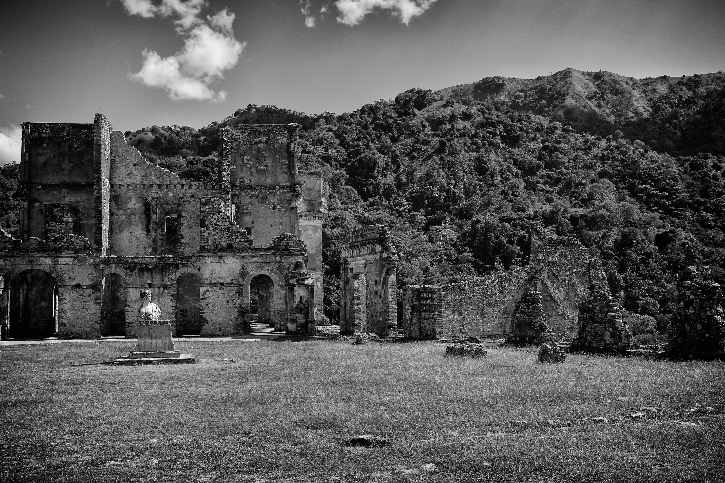 Palace ruins 2.jpg