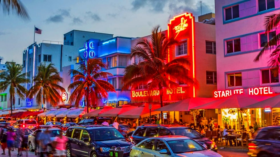 ocean-drive-nightlife-destination-wedding.jpg