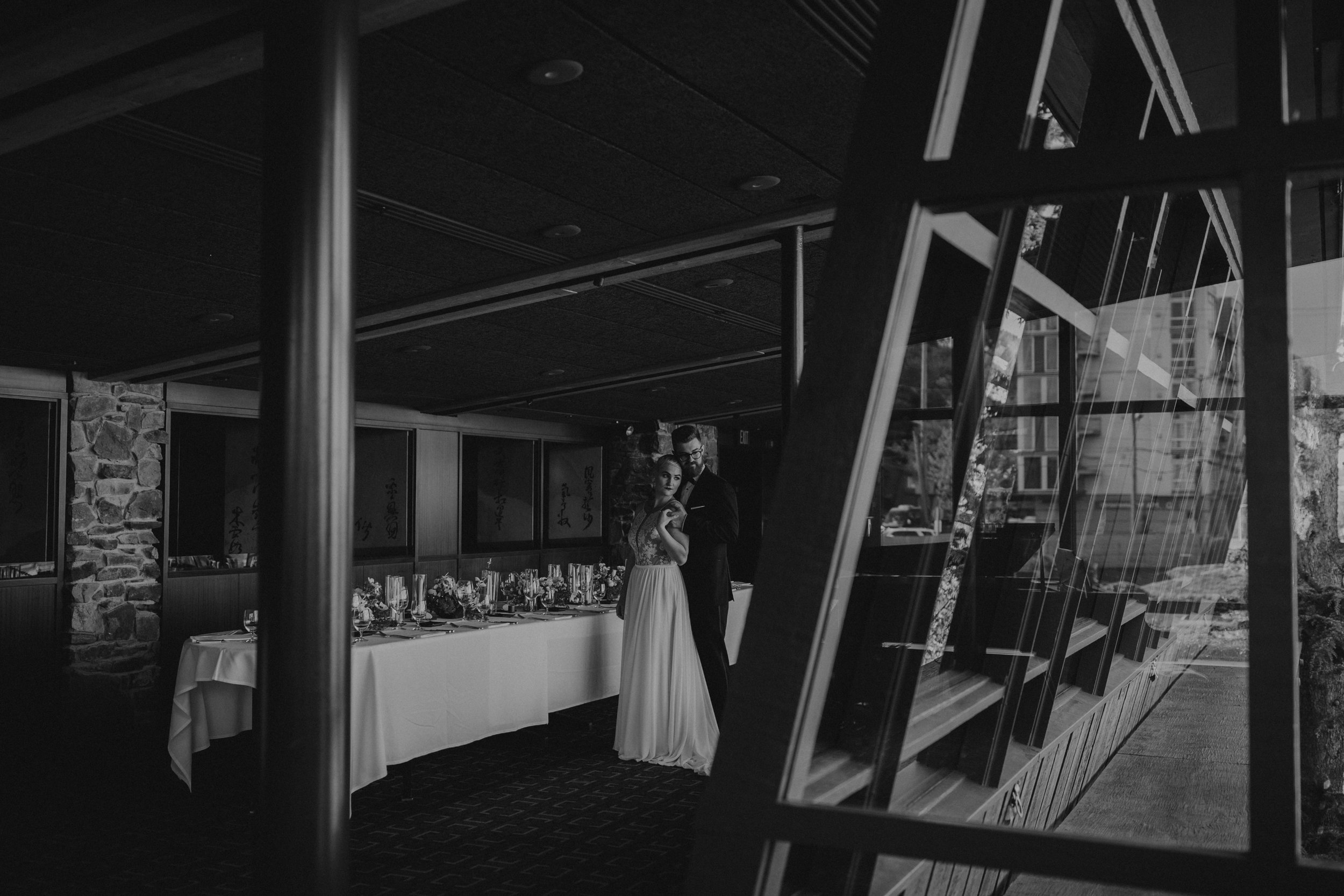 oliviastrohm_seattlewedding_canlis-66.jpg