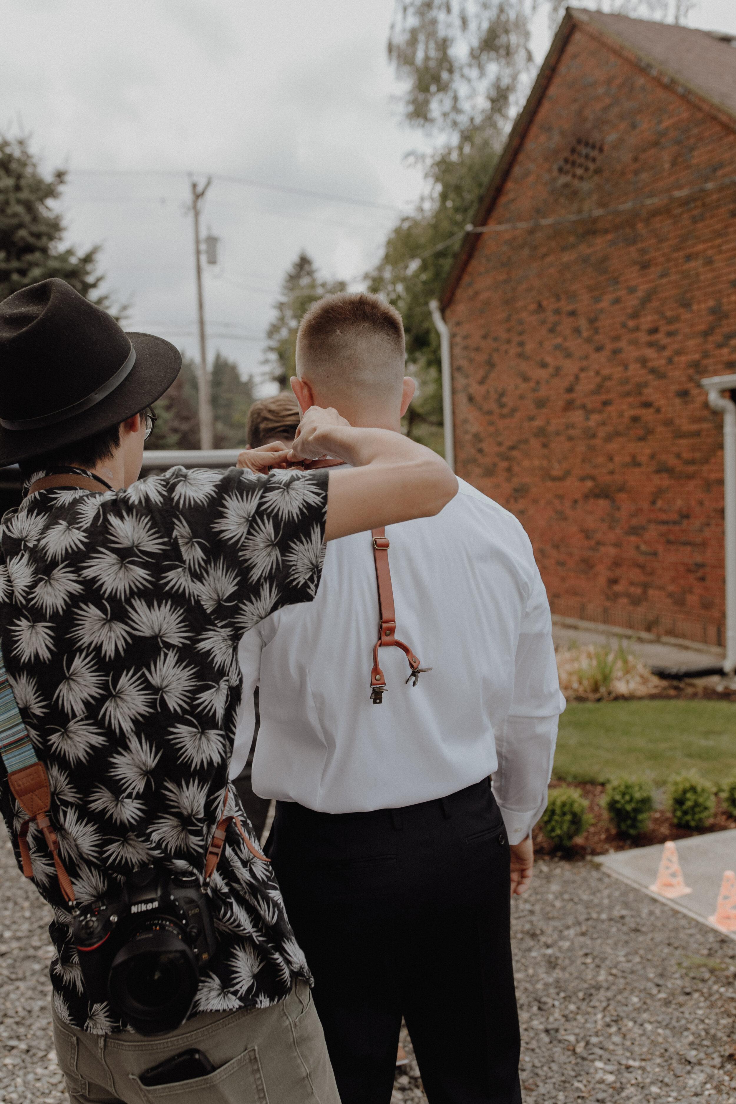 historiccedarschoolwedding_oliviastrohmphotography-17.jpg