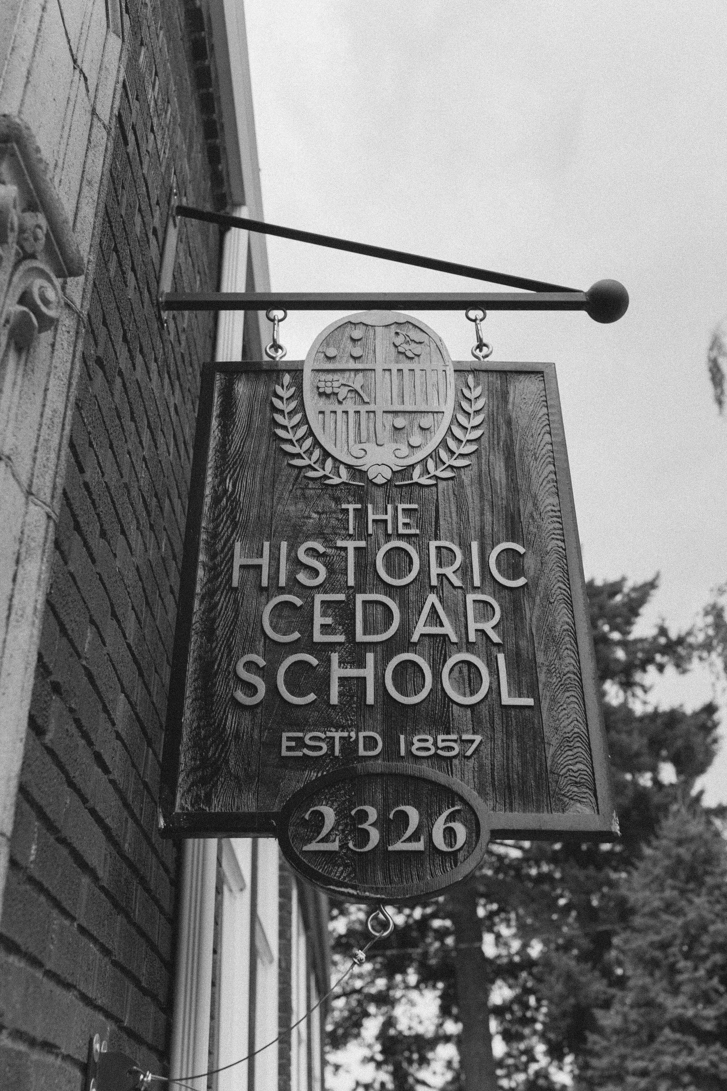 historiccedarschoolwedding_oliviastrohmphotography-67.jpg