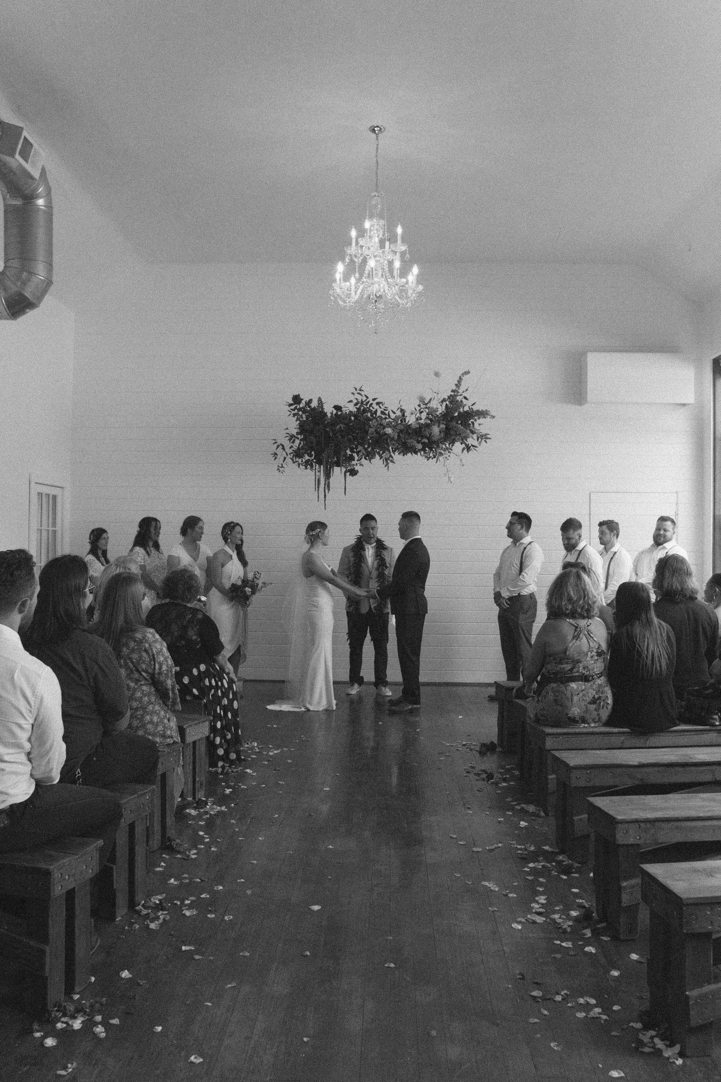 historiccedarschoolwedding_oliviastrohmphotography-112.jpg