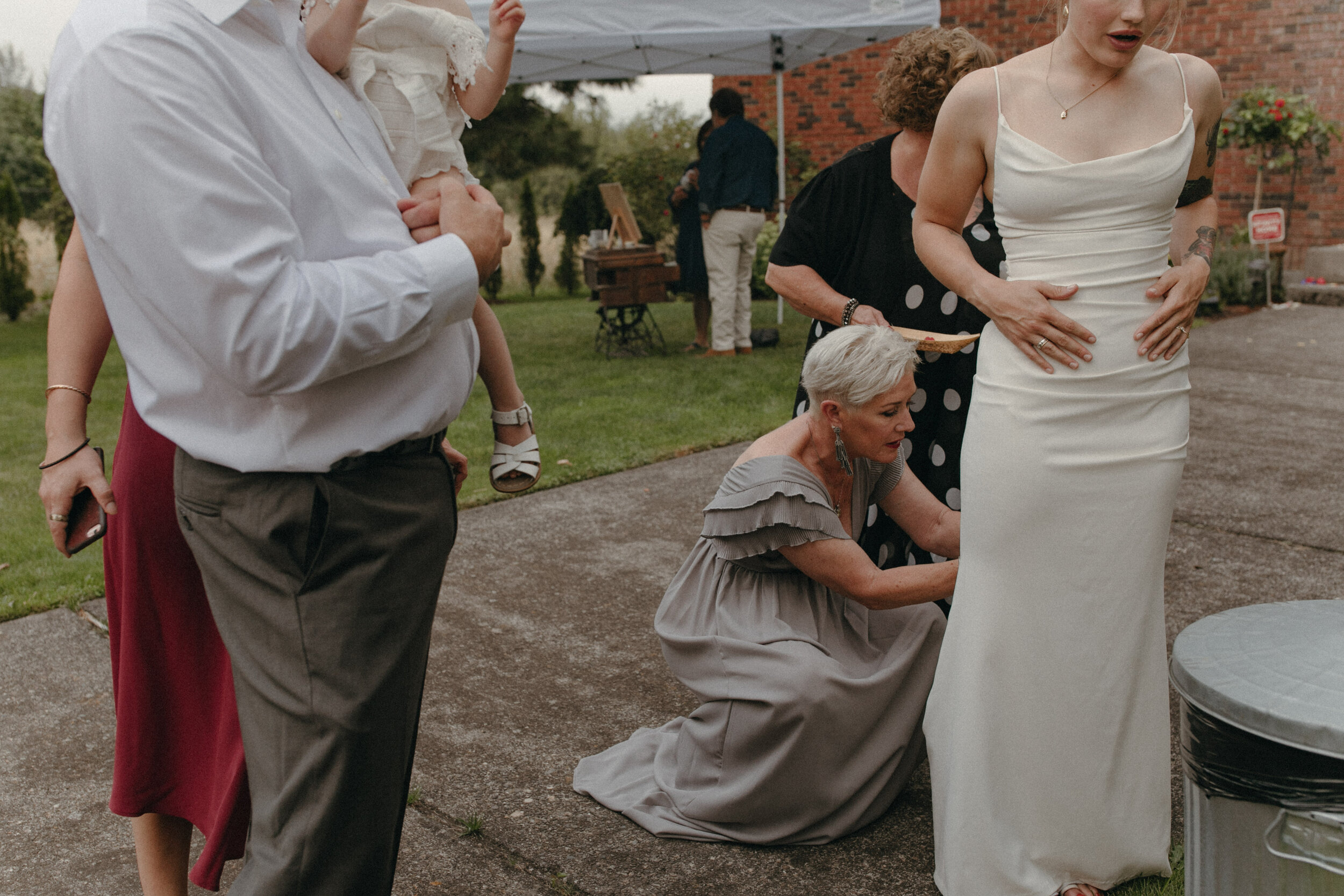 historiccedarschoolwedding_oliviastrohmphotography-141.jpg