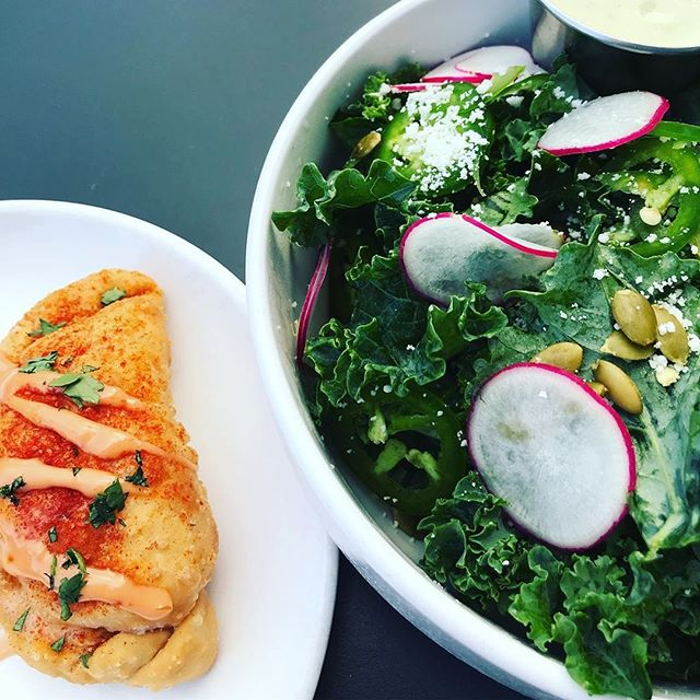 Until there's a scientific cure for the Sunday Scaries, we recommend our beloved kale salads with an empanada on the side for good measure. Reserve a table for tonight at the link in bio 📸: @what_sarahs_having