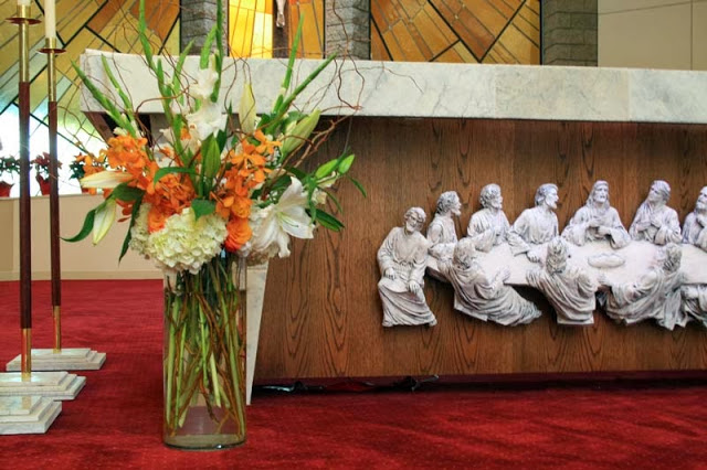 Gloria-altararrangement.jpg