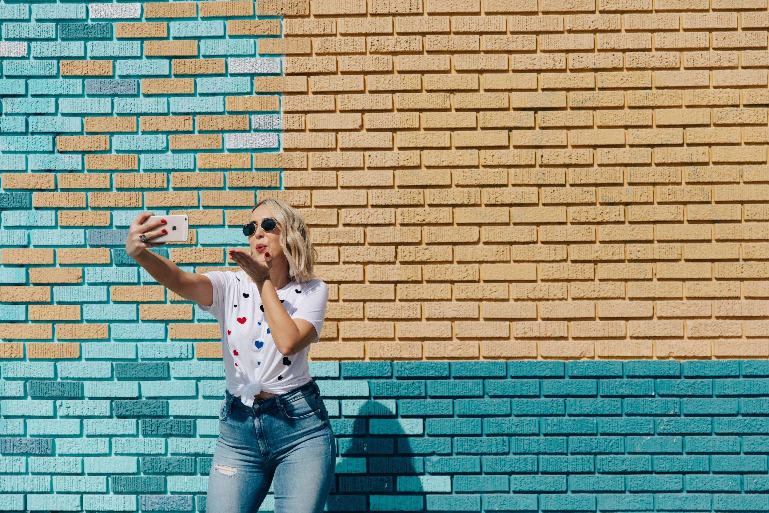 Most-Instagram-Worthy-Walls-LA.jpg