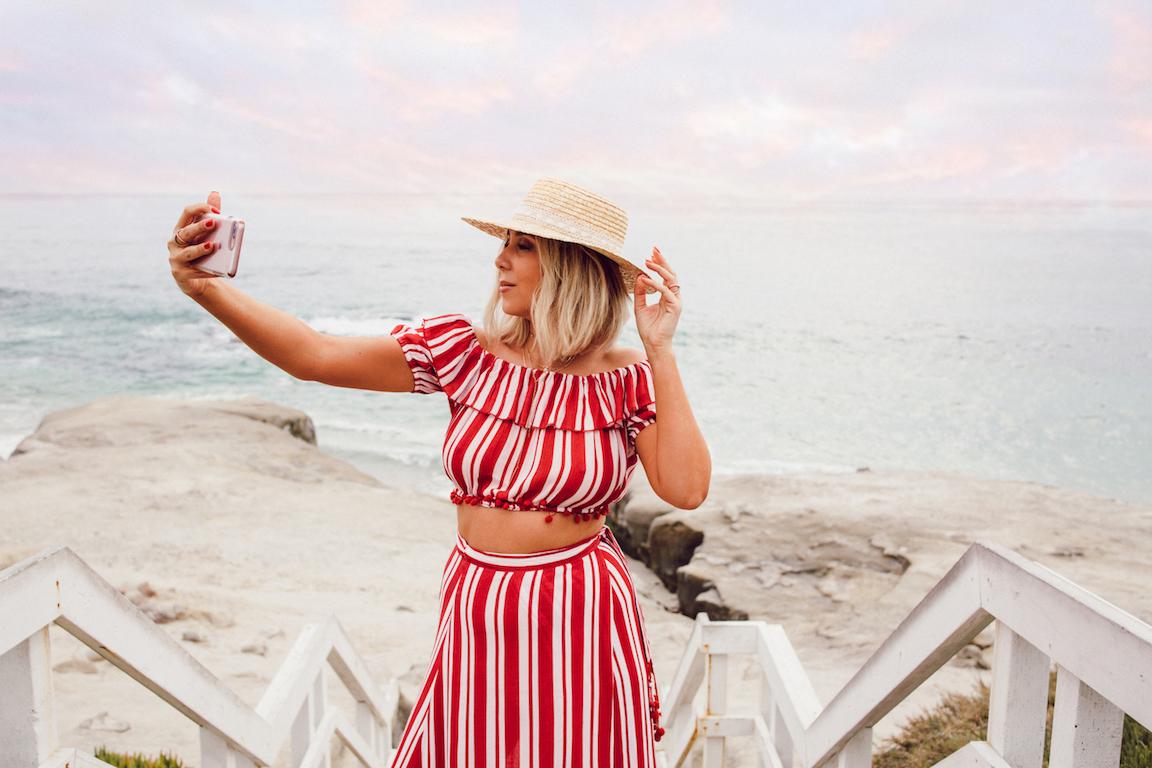 Fashion-Blogger-Beach.jpg