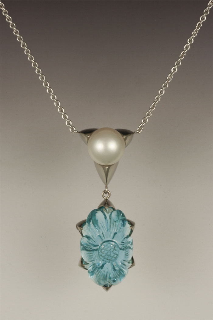 Amazing Pendant,  14 karat white gold, 77.3 carat aquamarine and fresh water pearl.