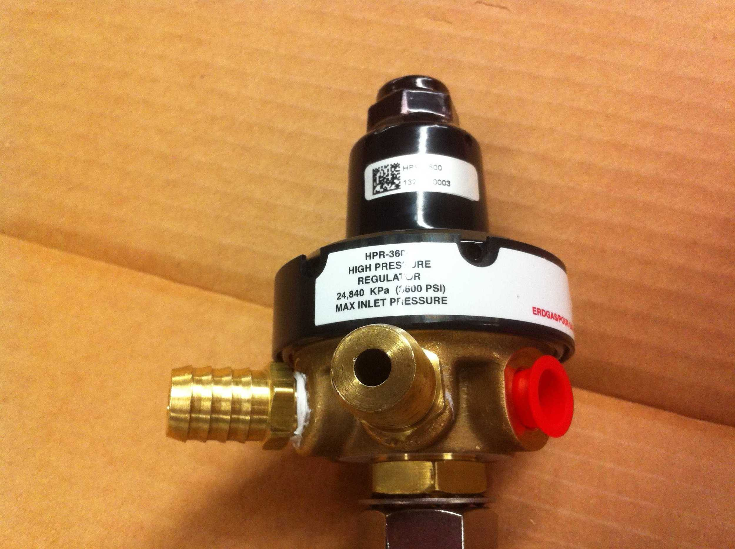 High pressure regulator to drop the pressure from 2000 to 100 psi.