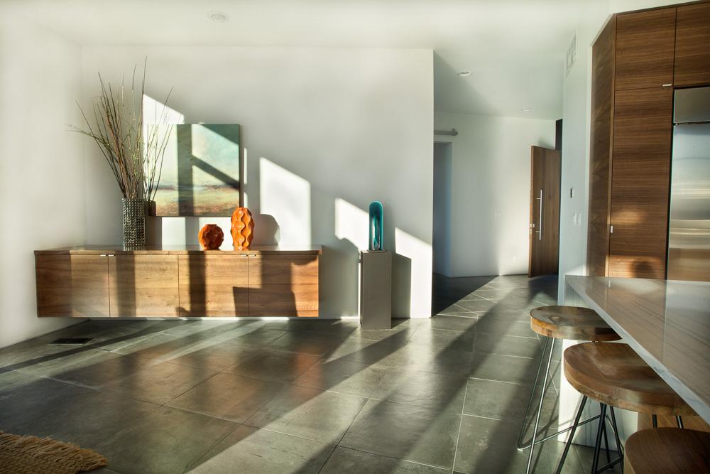 Table entryway daylightW.JPG