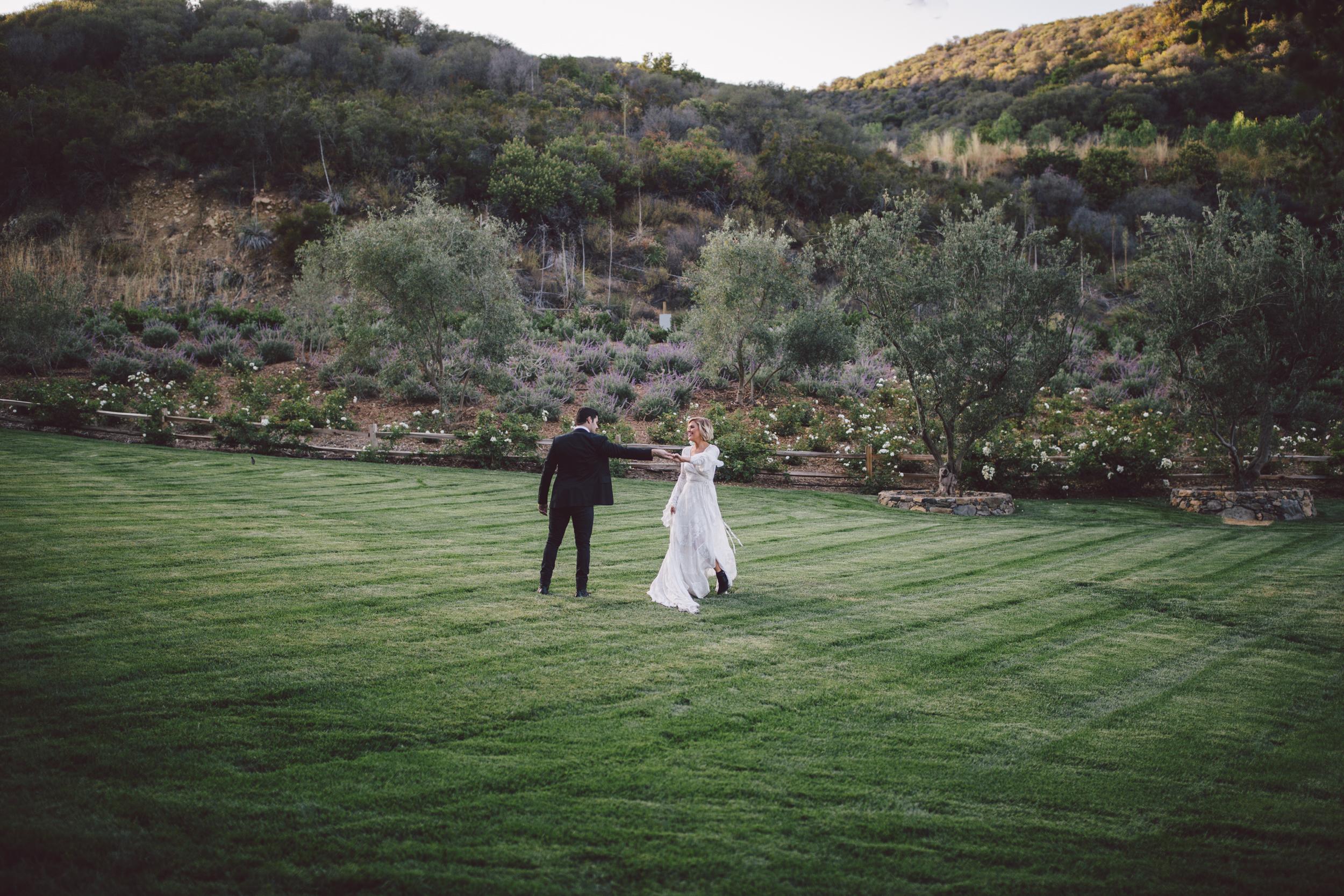 moody-portrait-stonewall ranch-malibu-wedding
