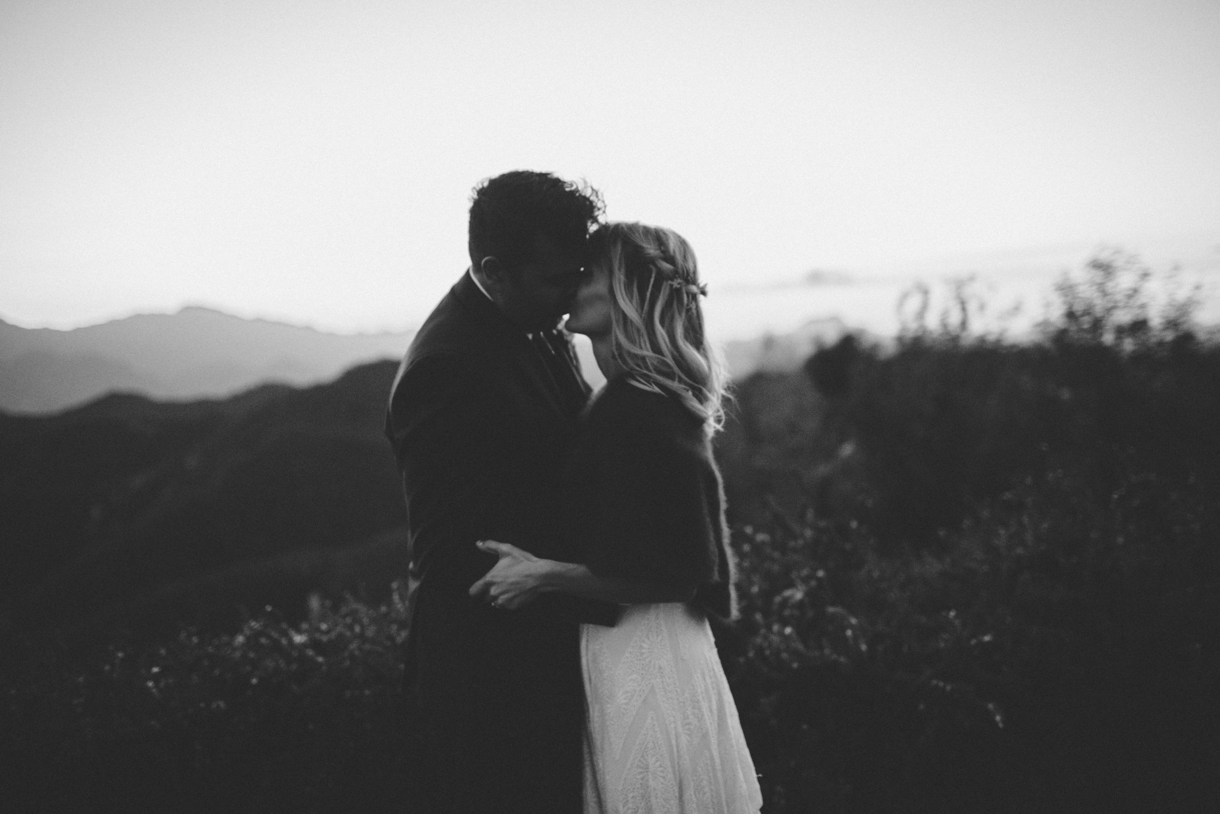moody-malibu-backyard-wedding