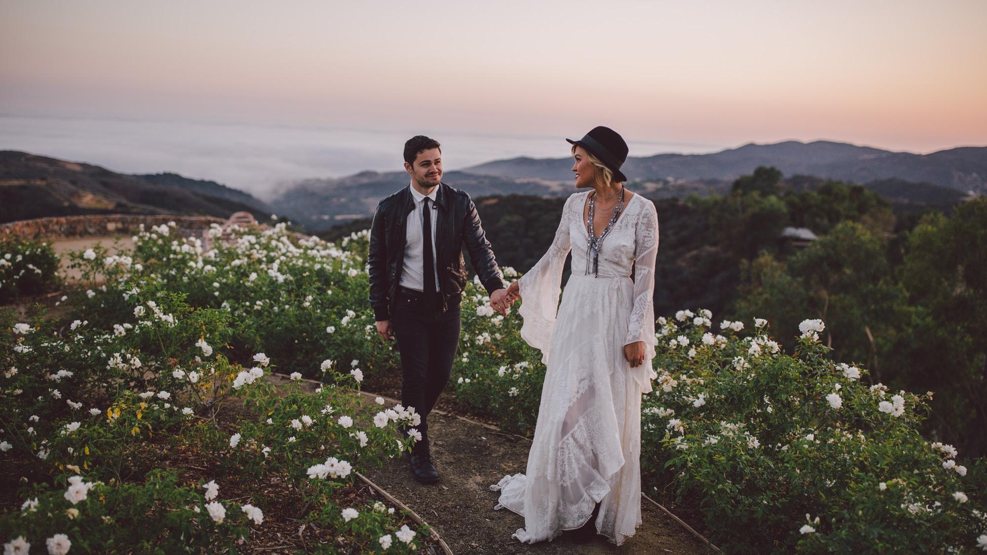 ELOPEMENTS + INTIMATE WEDDINGS -