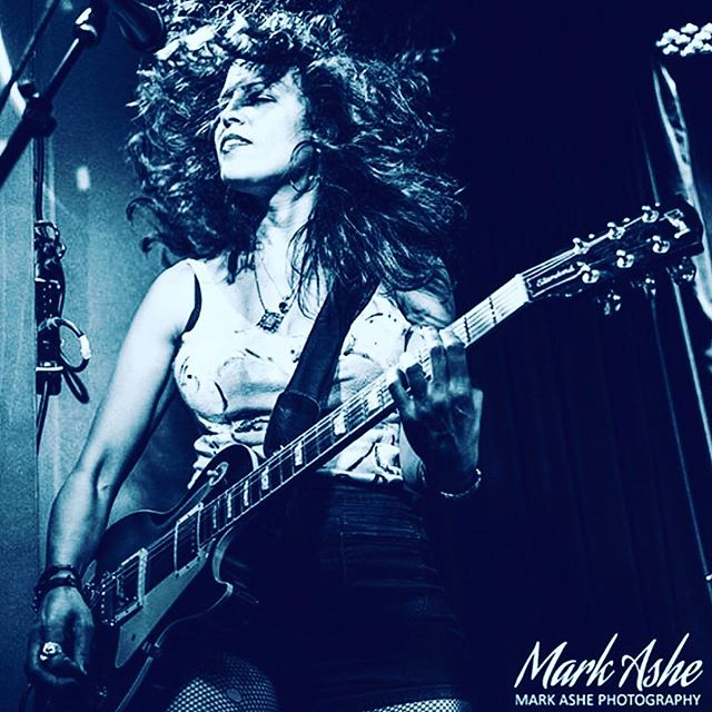 SAA Spotlight: @lisabianco is our #womencrushwednesday cause man! Does she crush it on guitar! Check her out live at @sxsw & across America soon:  @birdstreets The Outlaw Roadshow  3/13 at Tejas - Austin •  @itwasromanceband SXSW Showcase  3/15 at Cheer Up Charlies •  @lilandmad West Coast Tour 3/16-3/27 • #wcw #femalerockers #guitarists