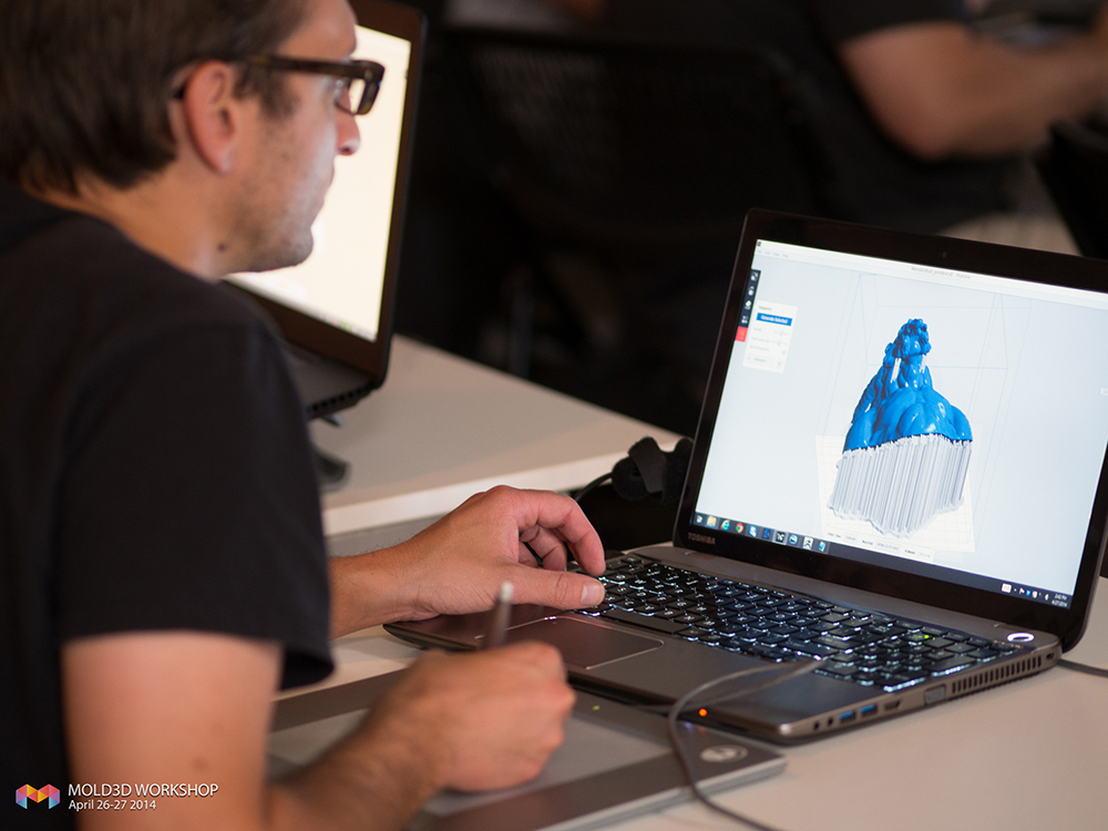 USING FORMLABS PREFORM SOFTWARE TO EVALUATE THE POSITIONING OF THE 3D MODEL.