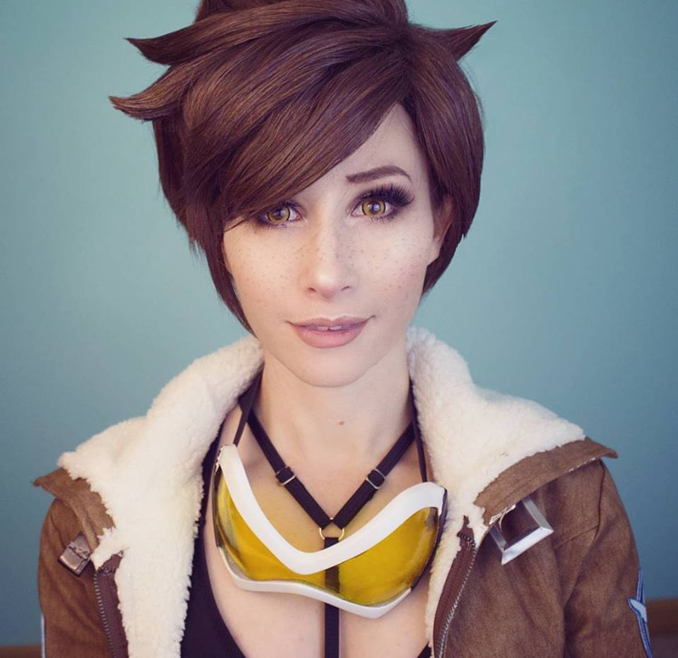 Bindi Smalls - Having been in the Co-splay business for over 3 years, Bindi uses 3D printers to make cosplay and armor. Her Nova Terra and Tracer cosplays are great examples of putting the technology to use.