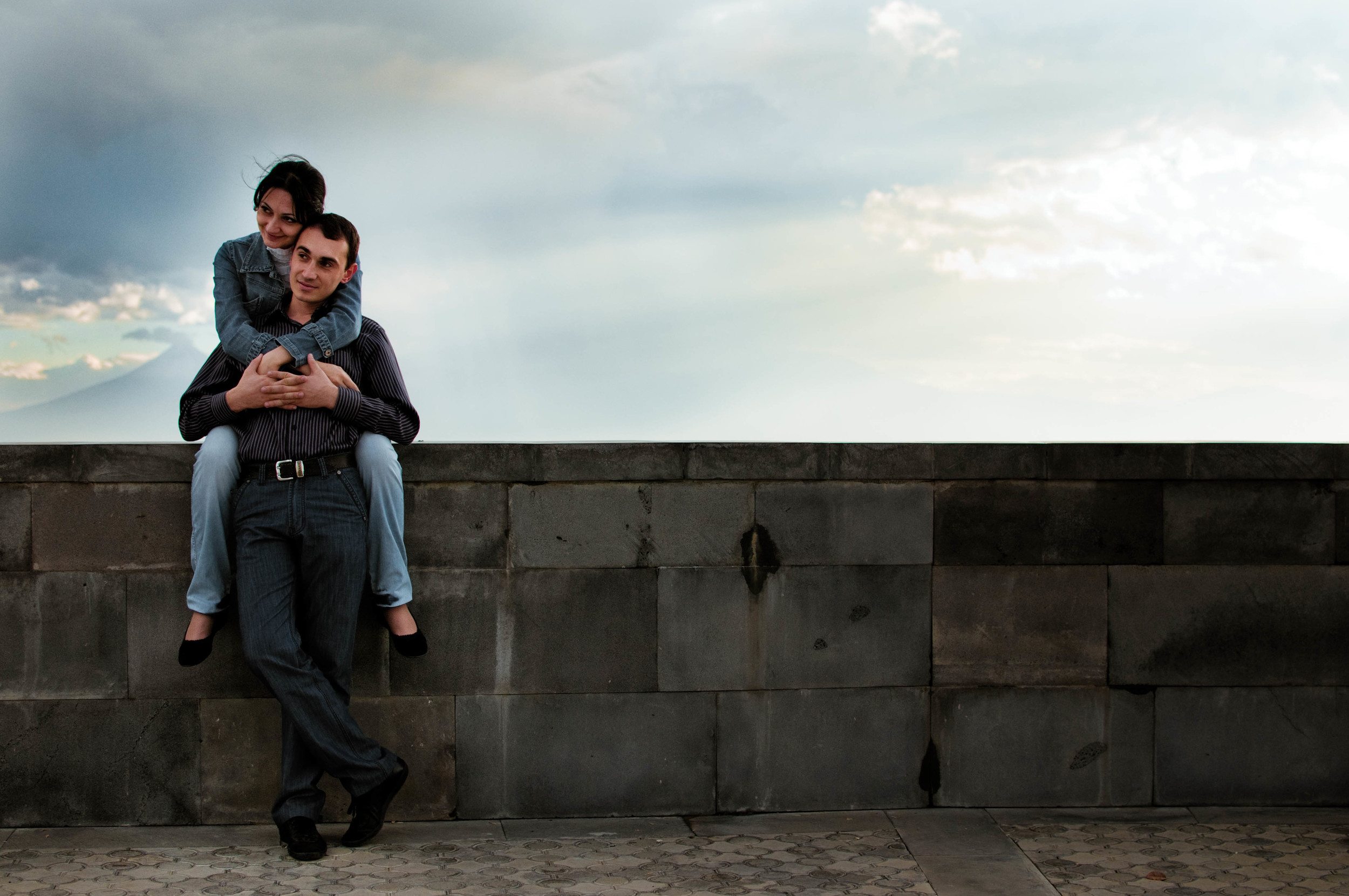 A young couple at the Armenian Genocide Memorial.