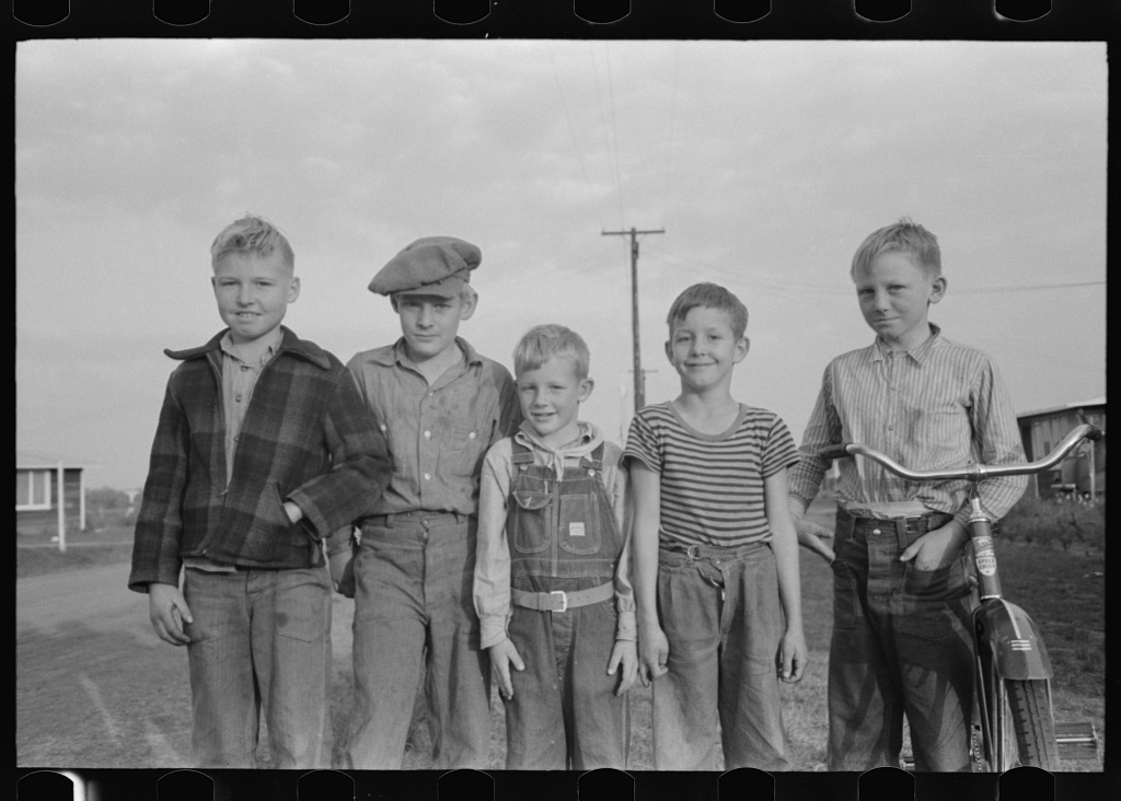 Visalia, California. Children of Mineral King Cooperative Farm.