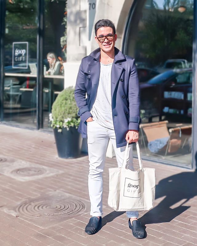 3PM • White jeans are a lot like box-fresh sneakers, aren't they? You don't wear them as much as you would like to because you're afraid of getting them dirty...todays blog post is all about why YOU should wear more white jeans! [link in bio - www.gabrielrafael.com]👖 ••• • • #menswear #mensstyle #mensfashion #menswearblogger #melbourneblogger #australianblogger #goop #goopmen #gooplab #levis #louboutin #louboutinshoes #tomford