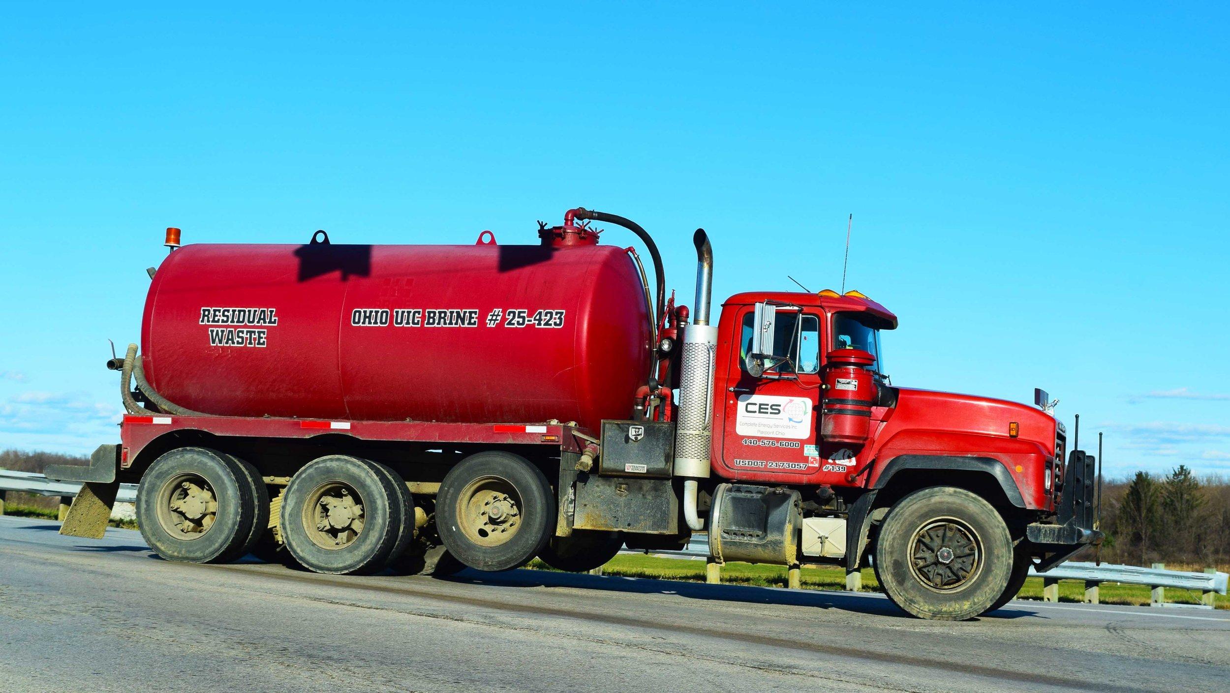 OH_ResidualWaste_Truck_Off_I90_DSC_0116_Photoshop.jpg
