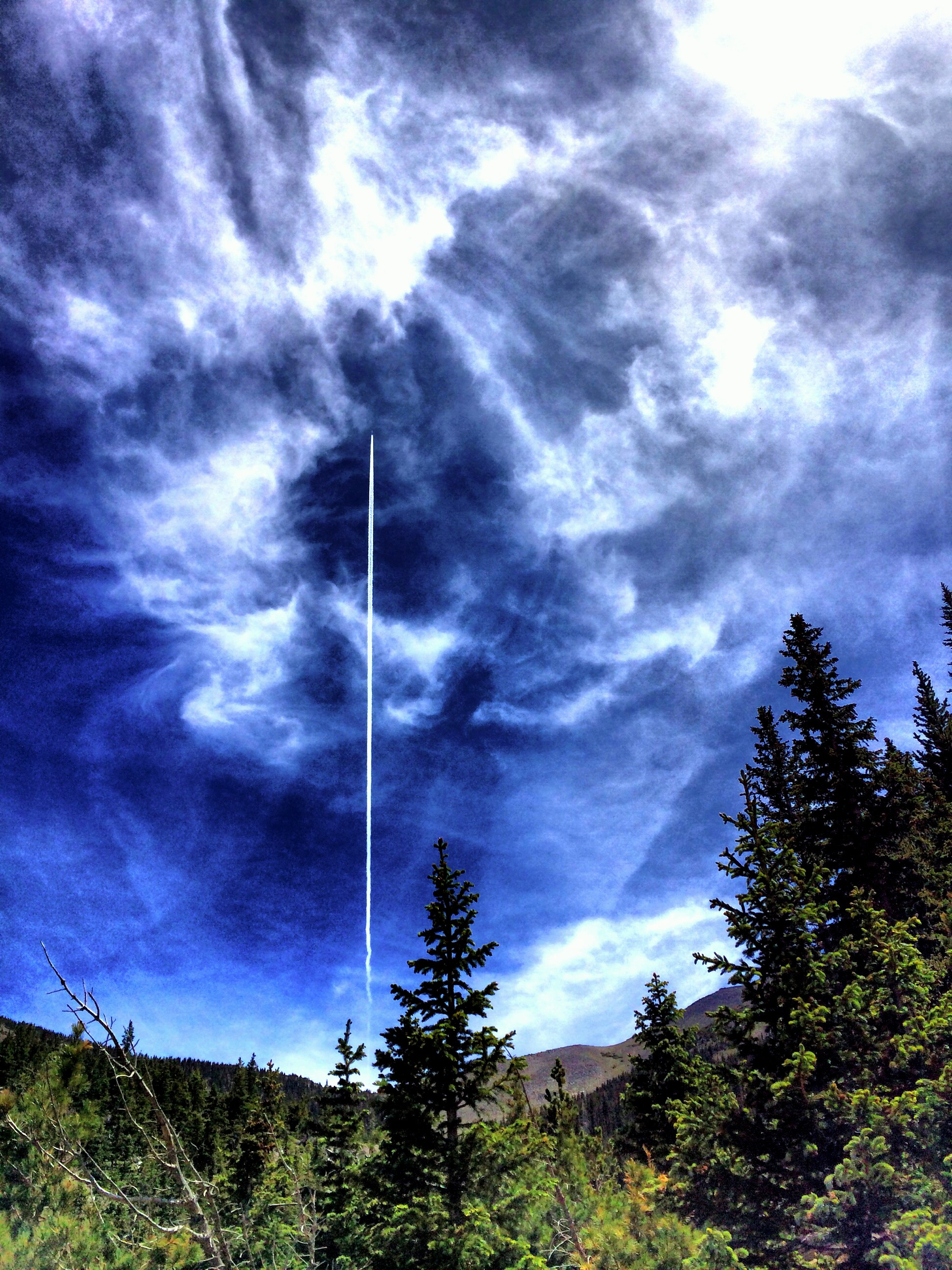 Contrail at San Francisco Peaks