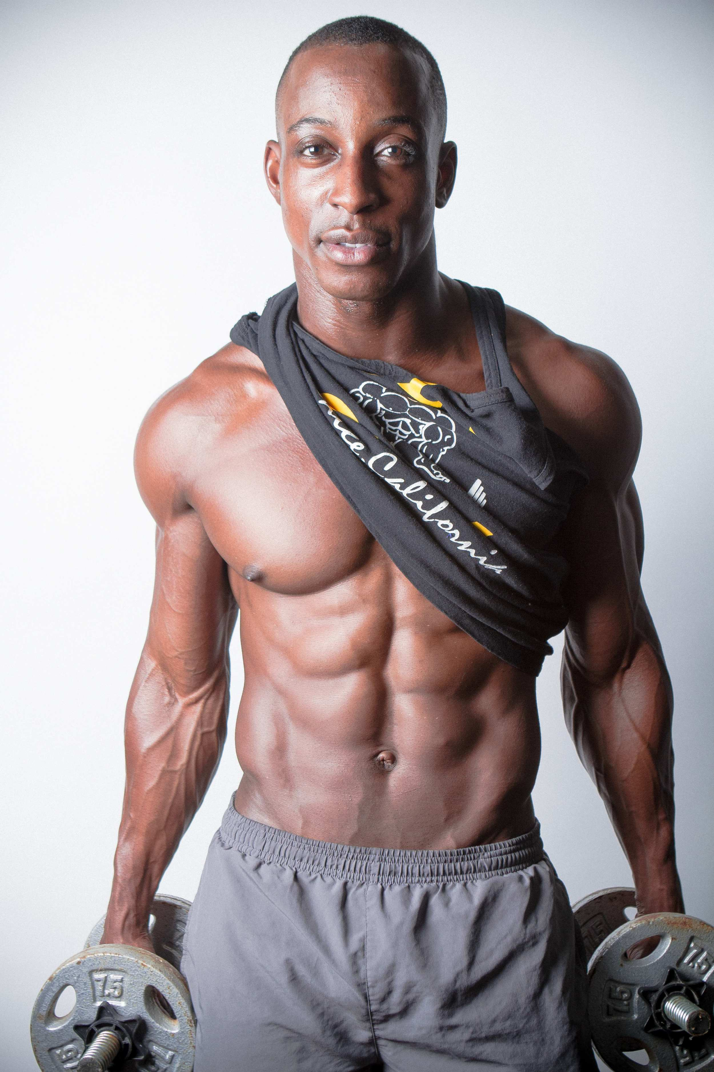 Shaka Weightlifts - Kyle Rea Photography - cREAtive Castle Studios.jpg
