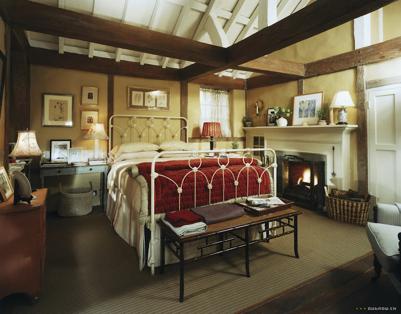Iriss-cottage-bedroom-in-The-Holiday-movie.jpg