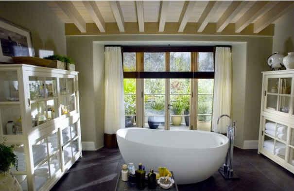 Amandas-master-bath.jpg