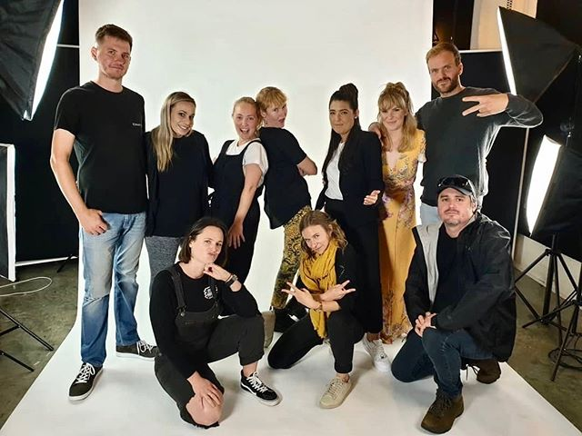We have had the best talent and pals in this week! We promised to share once it's fully cooked 😎🕺 Repost @gutscreative Today, shoot with best ever talent.⠀ Tomorrow, start awkward boy band. ⠀ @mareelowes @zana_jane_ @warren.smith ⠀ @lexbuzzdoesstuff @sophie_elinor @bonnieleemooney @jackscheeren @joshthebruce @gutscreative @zana_jane_ @mareelowes