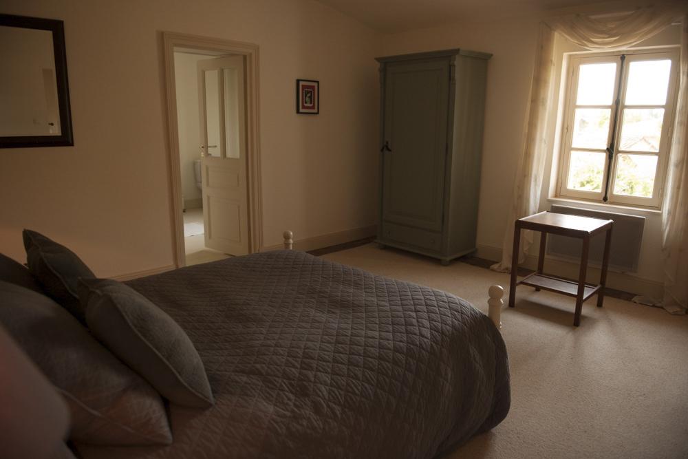 Bed3-5-2.jpg