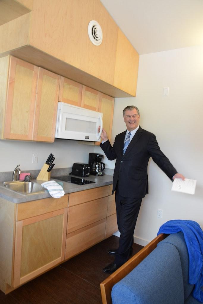 Dallas Mayor Mike Rawlins at housing open house Photo: Lisa Stewart Photography