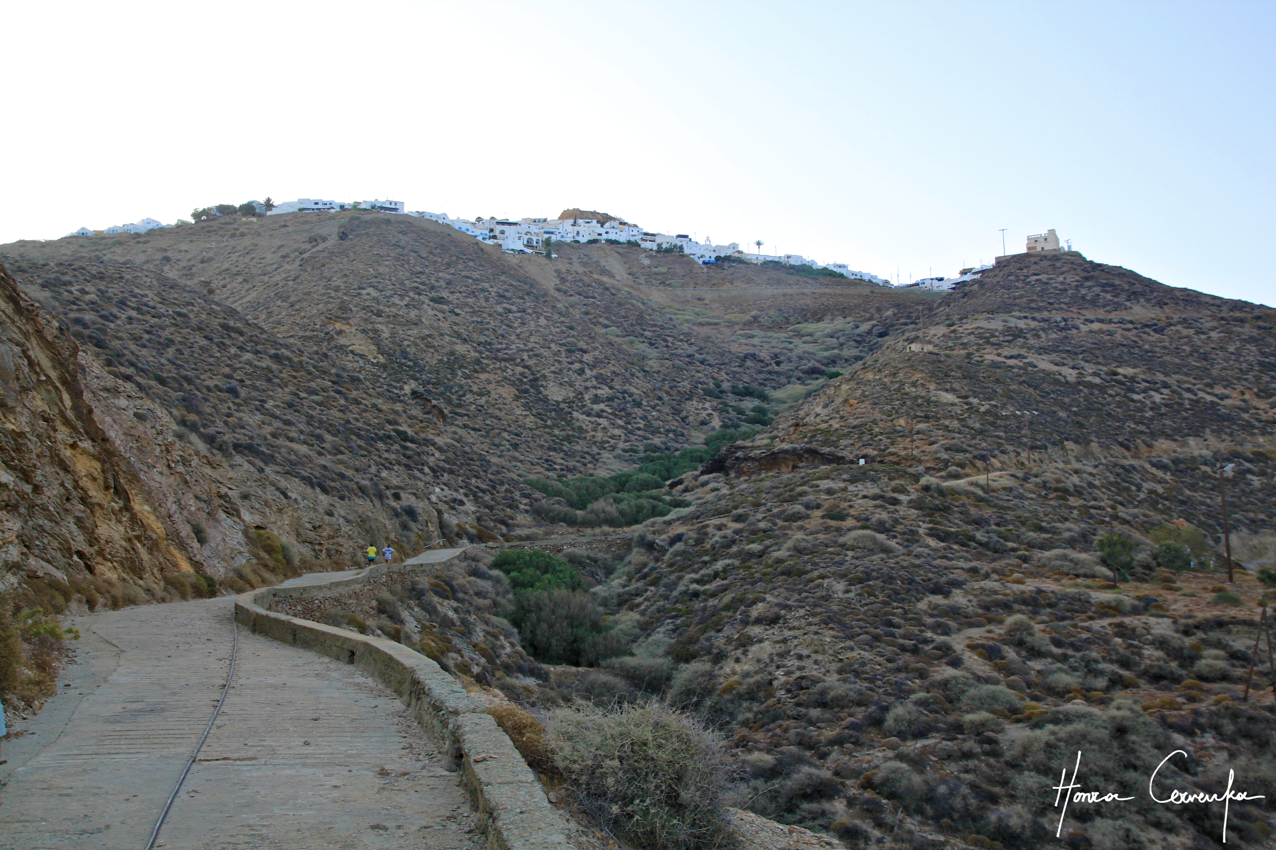 The path leading up to Chora atop.