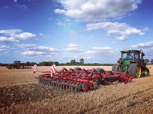 Gorgeous day for it 😎 #farmlife #cultivations #horschterranomt #johndeere #oursummer