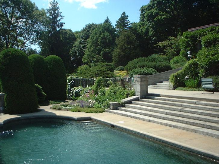 Pool Garden/Herb Garden