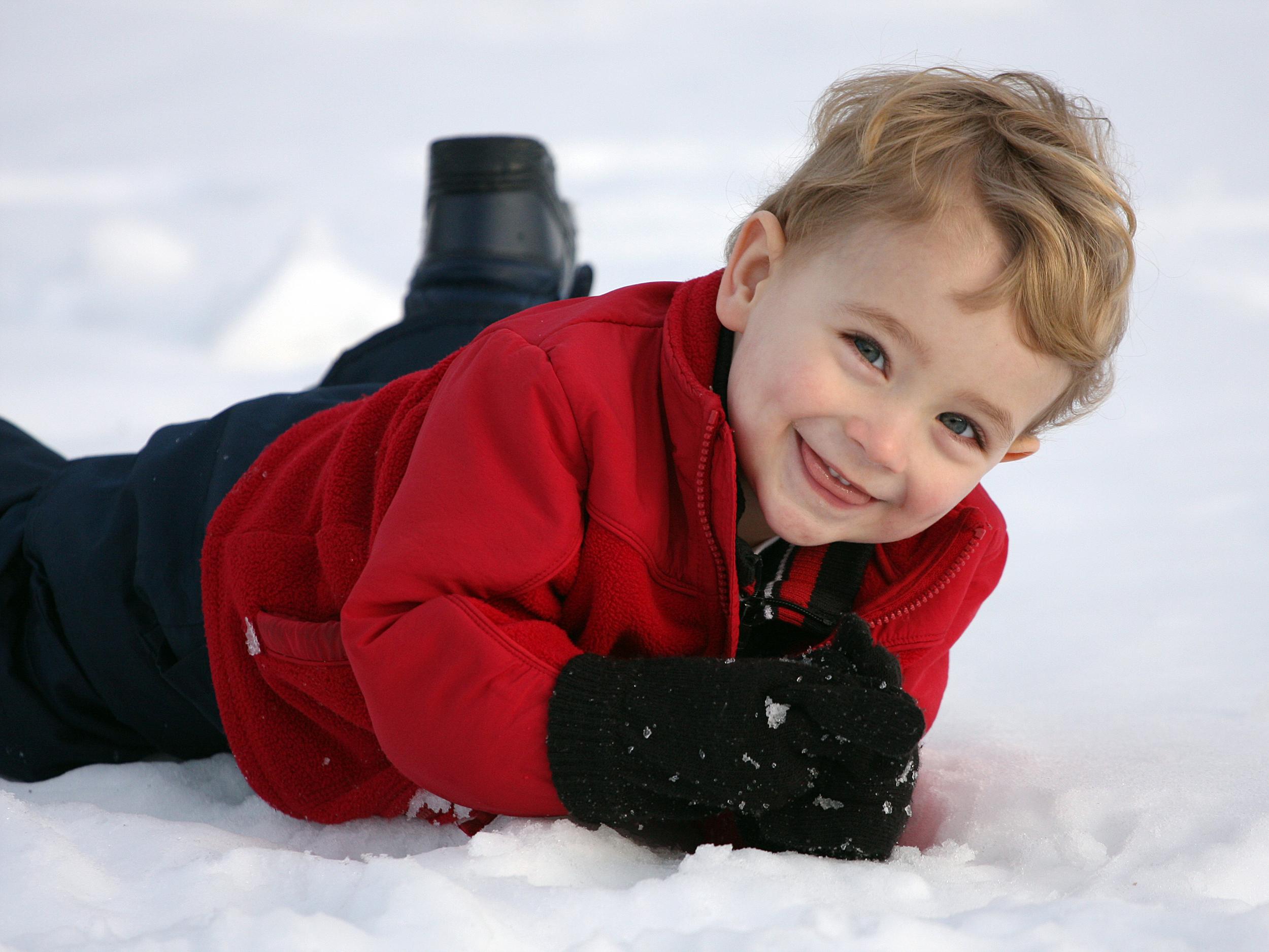 sam_on_snow1.jpg