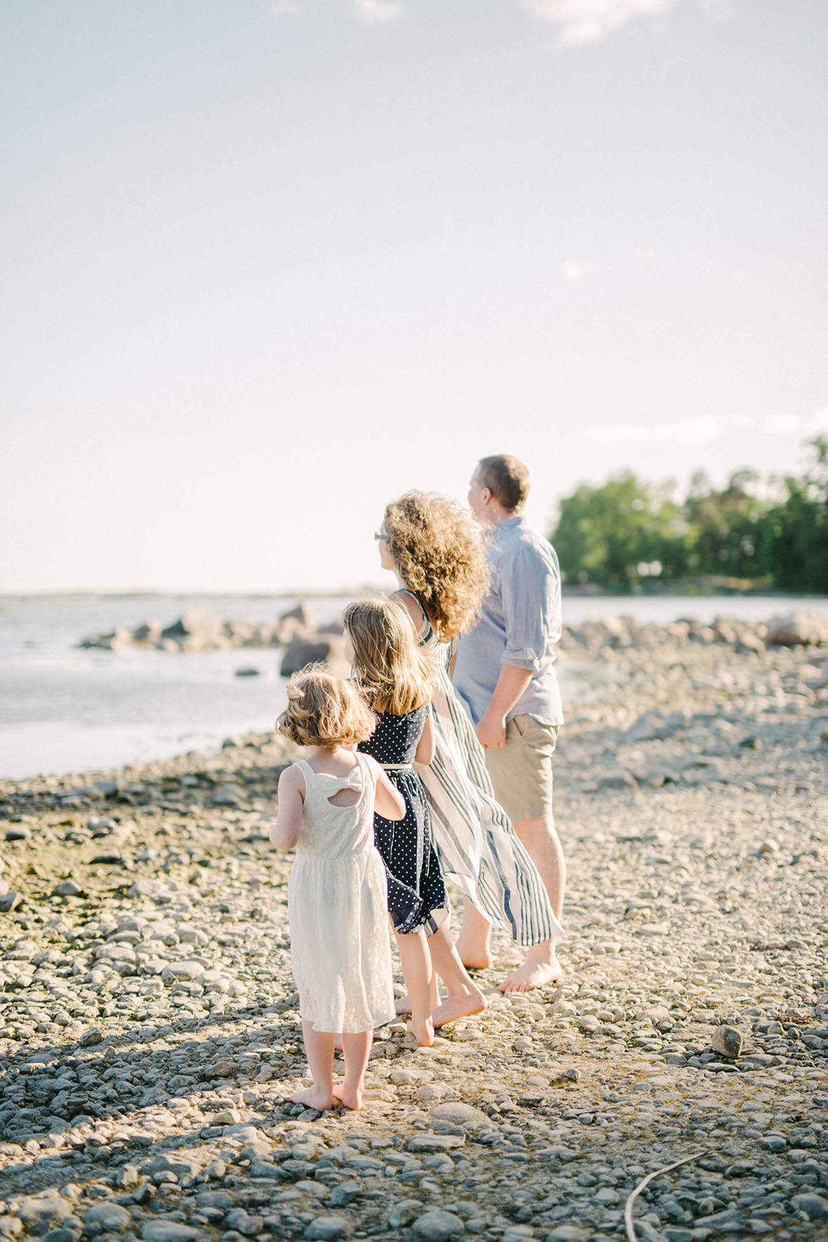 Family shoot at the beach in Lauttasaari, Helsinki