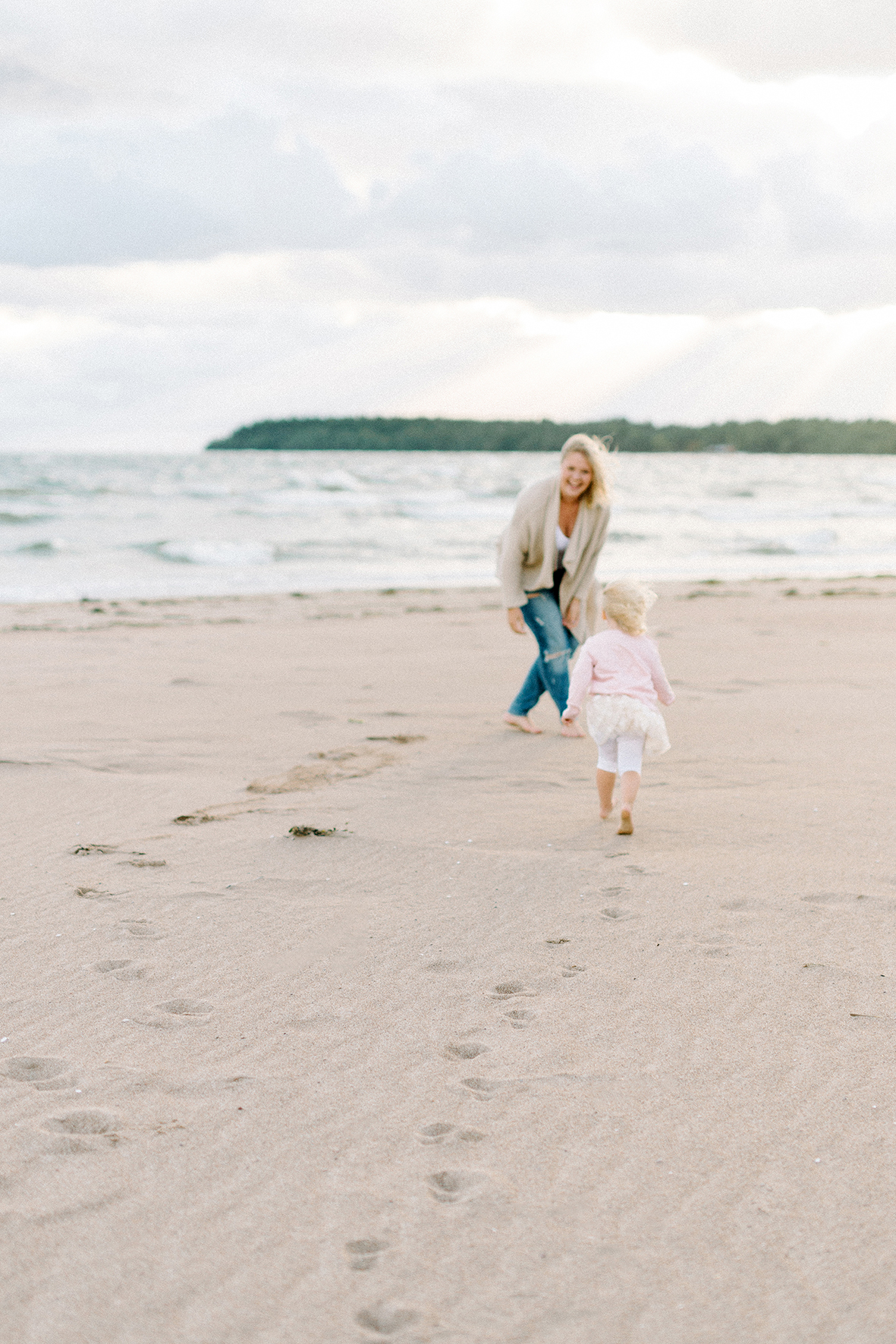 Love-filled family shoot in Yyteri