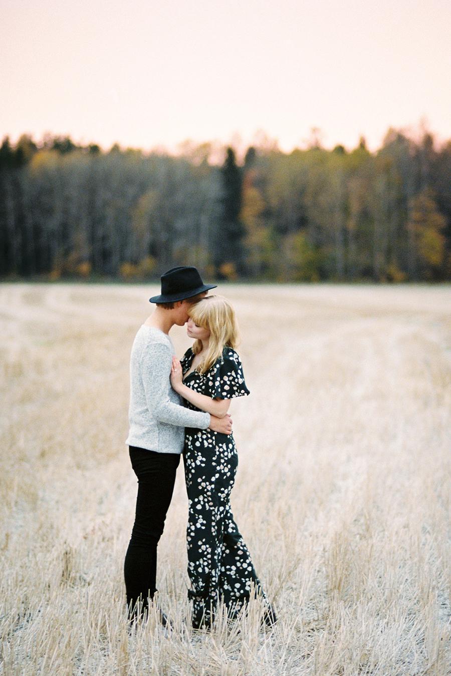 Fine Art Autumn Couple Shoot in Haltiala (37).jpg