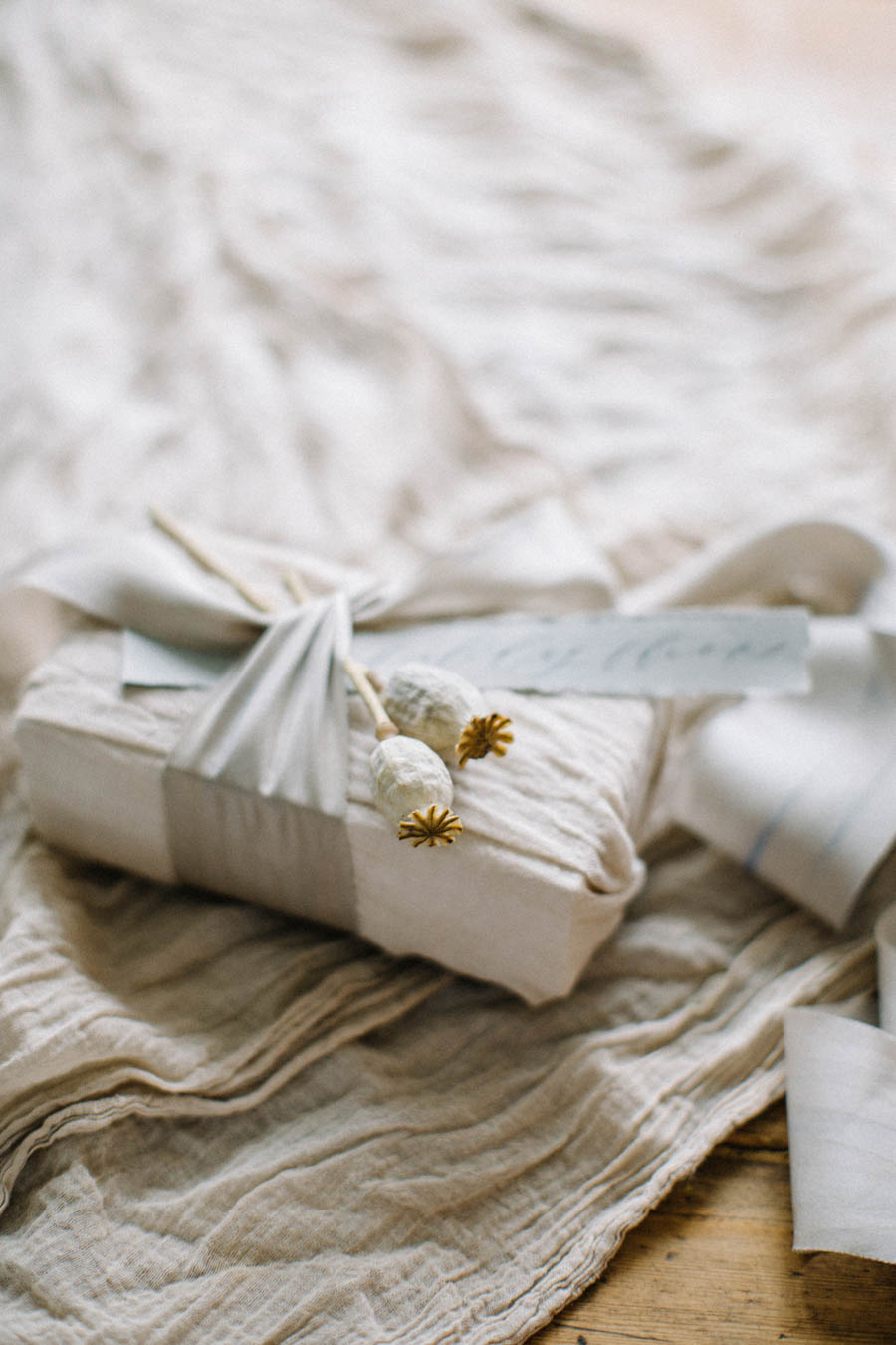 Organic gift wrapping and calligraphy tags (6).jpg