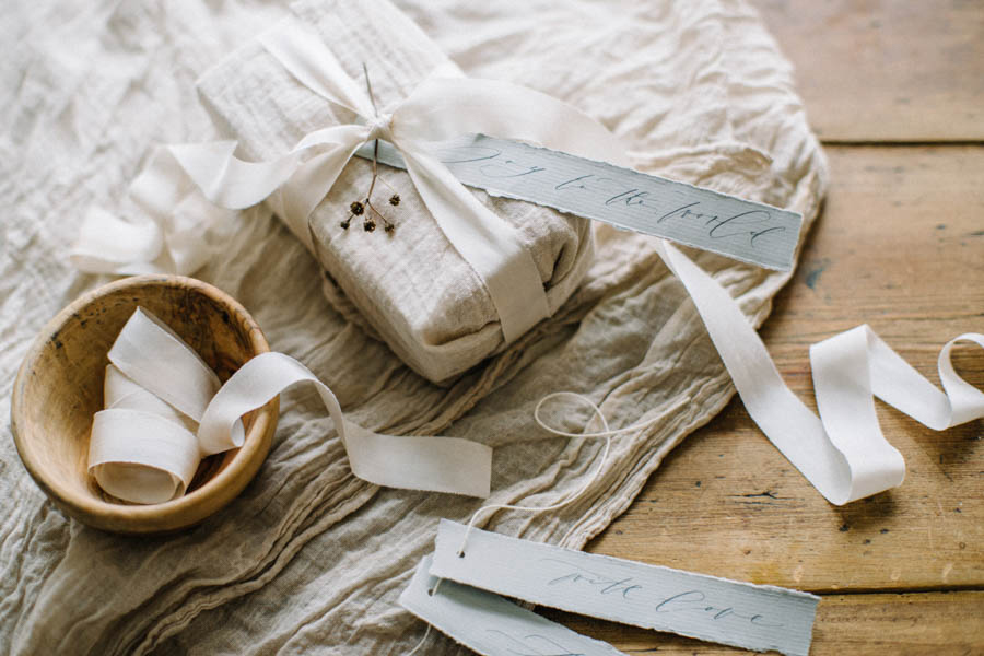 Organic gift wrapping and calligraphy tags (8).jpg